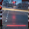 Holanda: colocan semáforos led en las veredas para quienes caminan mirando el celular