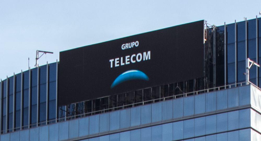 Telecom recibe millonario préstamo para financiar negocios con Nokia